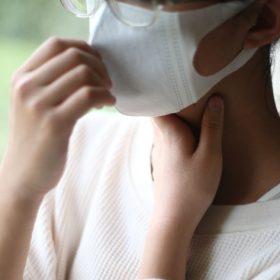 花粉症による喉の不快感にも、プロポリススプレーがおすすめ!