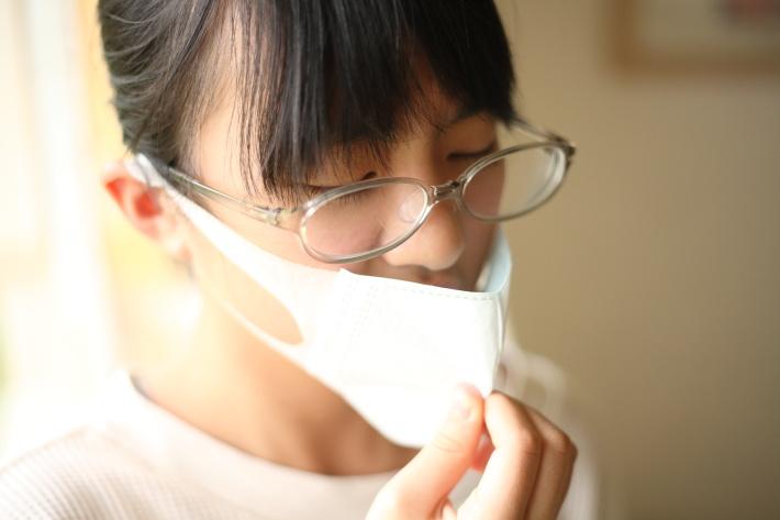 インフルエンザウイルスは空気中にも漂って感染